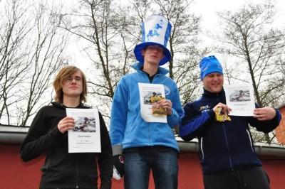 vlevo Pavel Schirlo na třetím místě v kategorii dorost